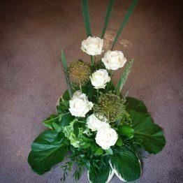 SNÖVIT begravningsbukett