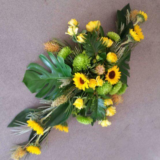 MODERN SOLROS blommor till begravning