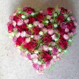 HOS MIG blomsterhjärta till begravning