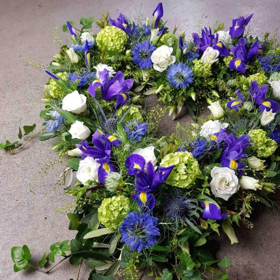 hjärta till begravning i blått