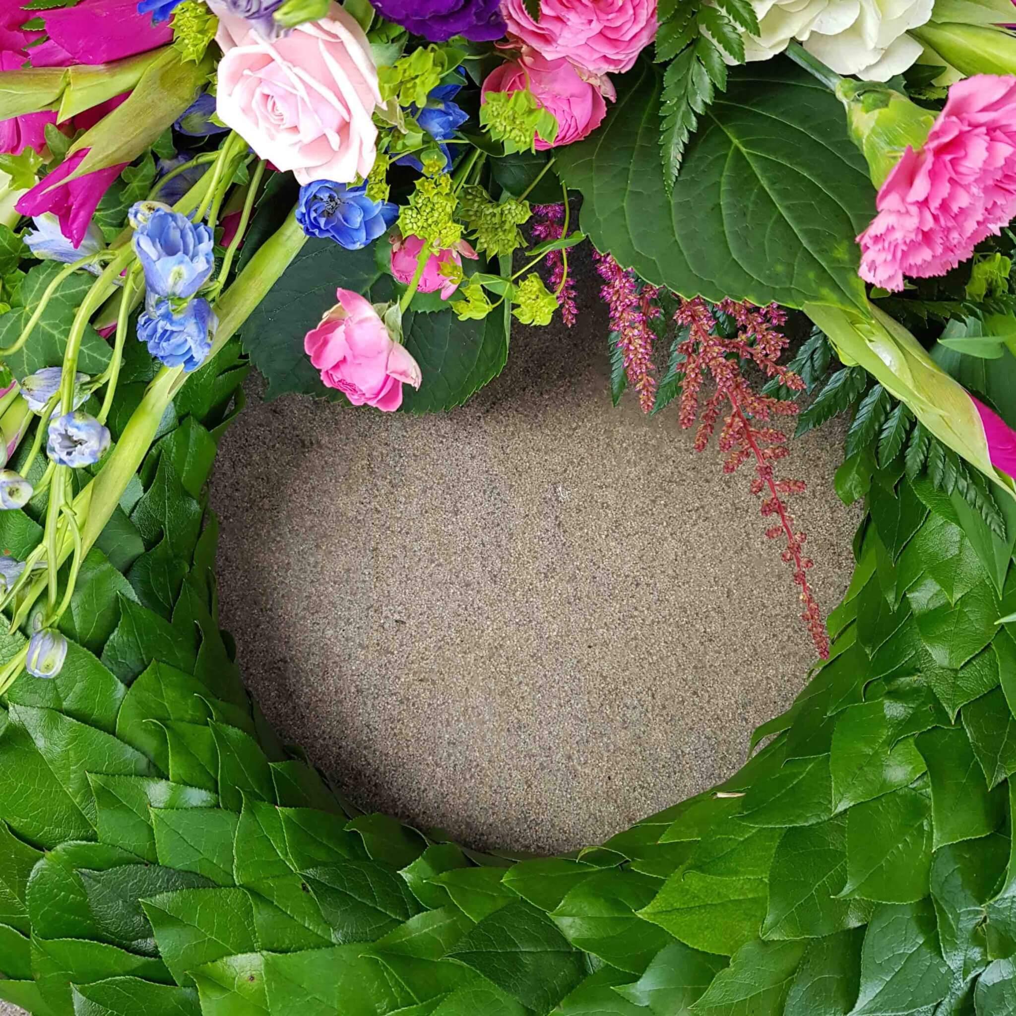 kolibri sorgkrans pris begravningsblommor