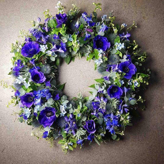 Blå begravningskrans