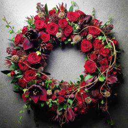 så mycket kärlek röd begravningskrans