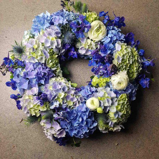 hortensiakrans till begravning