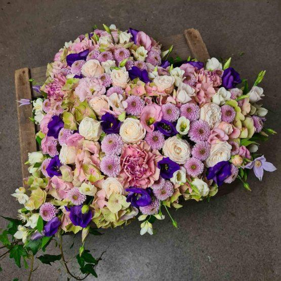 hjärta till begravning i lila