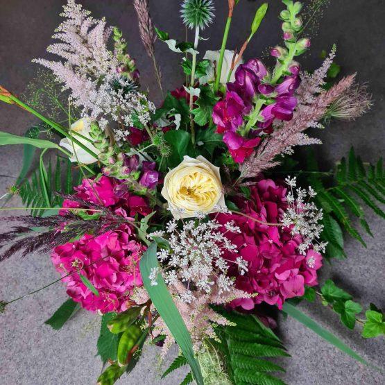 dekoration till begravning med hortensia