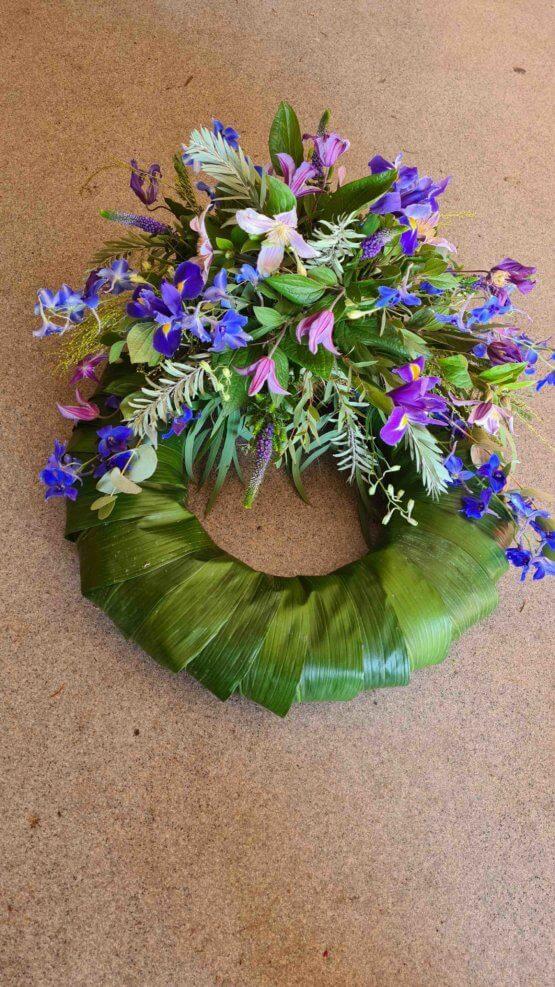 blålila begravningskrans