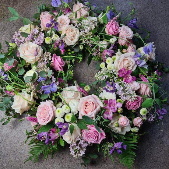 Begravningskrans i rosa